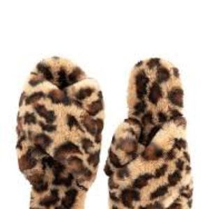 NWOT Fabulous Fur Leopard Slippers